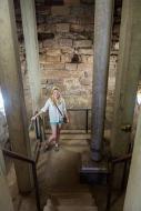 Descending into the ruins