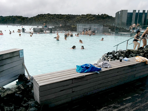 Blue Lagoon, swim-up bar