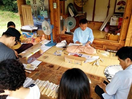 Traditional Korean Fan making
